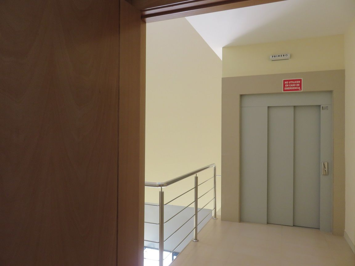 Oficinas en alquiler adeca for Alquileres oficinas